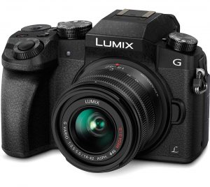 Panasonic LUMIX G7 Mirrorless Camera (16 MP)